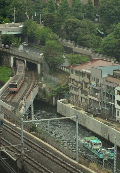 船と地下鉄