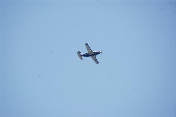 珍しく飛行機が。。。。