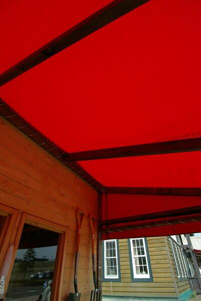 赤きテント