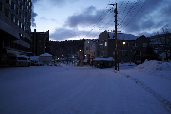 夜明け前 阿寒湖温泉街