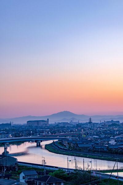 【花・空のある写真】令和元年5月4日日の出前