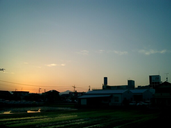 梅雨間の夕焼け