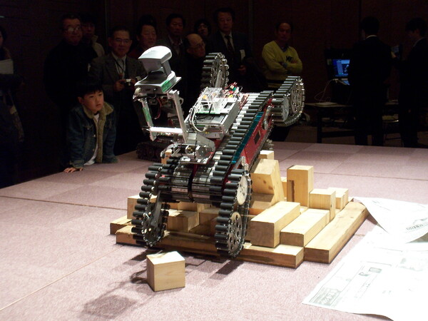 【写楽】レスキュー・ロボット