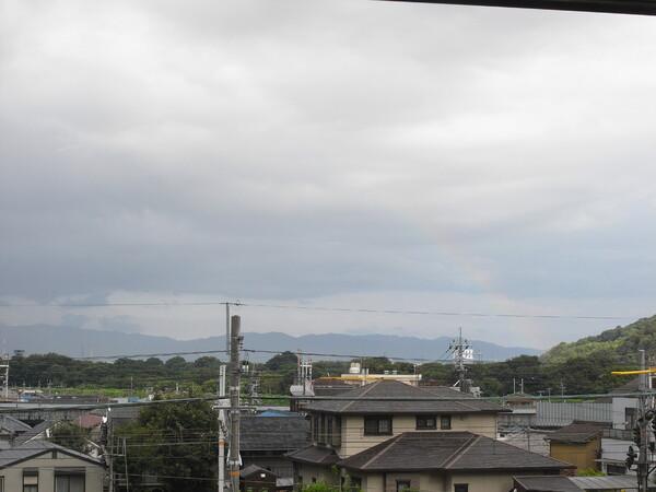 虹が出てます
