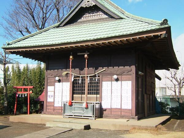 近所の杉山神社