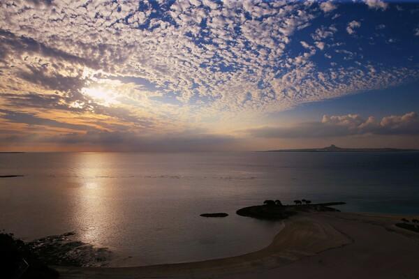 美ら海の夕暮れ