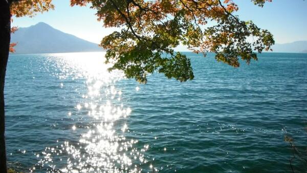 【秋色】湖がキラキラ☆