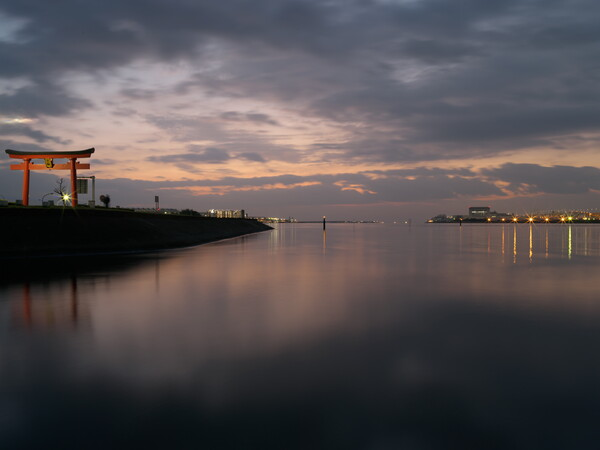 多摩川河口の夜明け