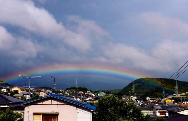 台風が過ぎた後の虹