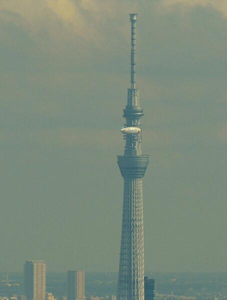 東京スカイツリーと飛行船