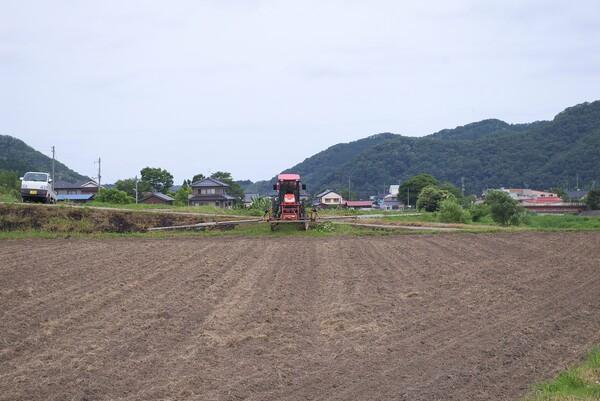 農薬散布ようトラクター