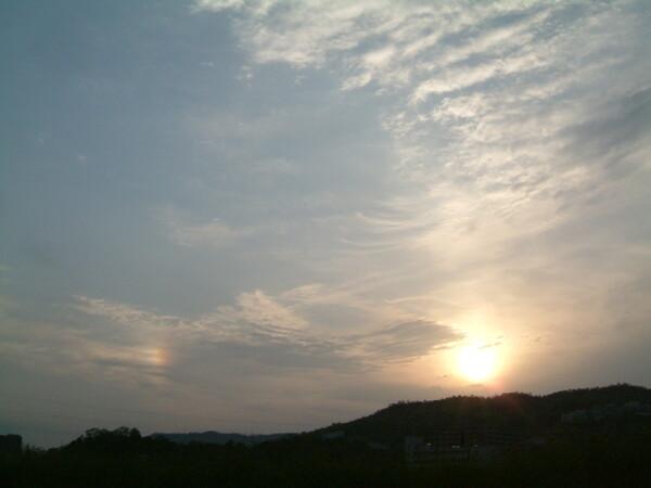 朝日と幻日