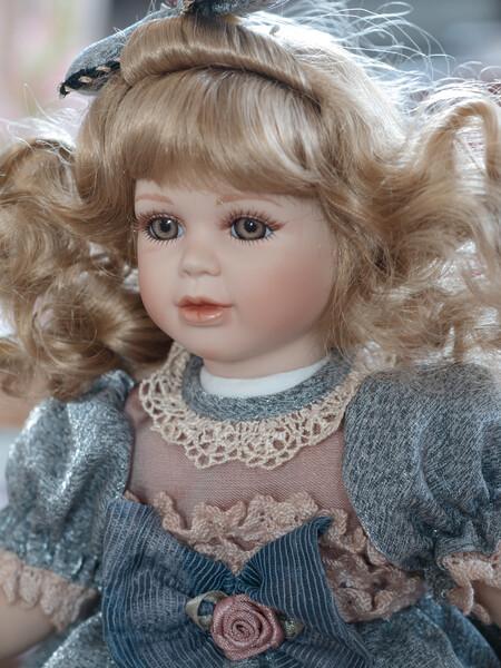 異人館のお人形