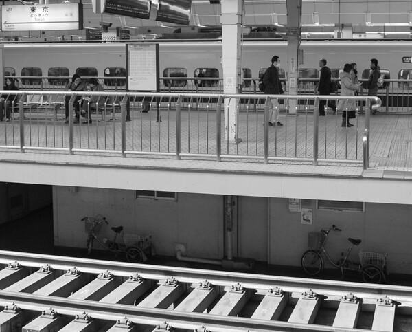 【道】新幹線ホーム下の通路