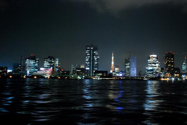 【流】 隅田川の流れと夜景
