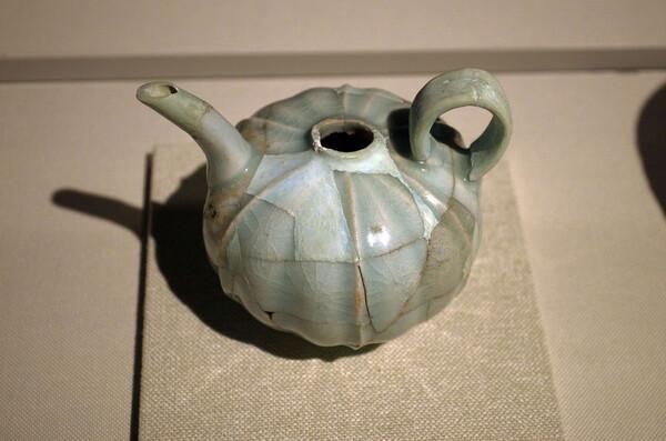 中国から渡来した陶器