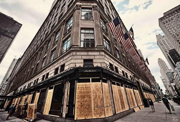 Manhattan Under Lockdown 13