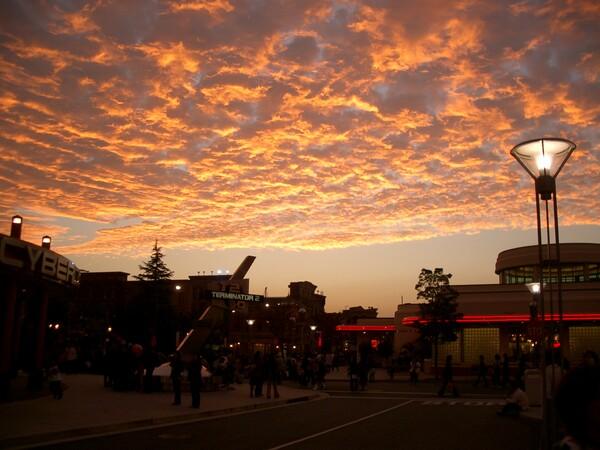 すごい色の雲