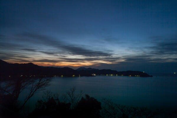 日本海への日没。