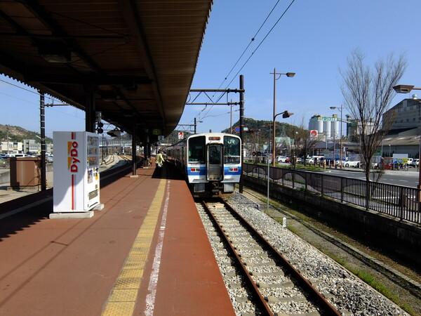 JR宇野駅にて