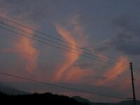 東の空の夕焼け雲