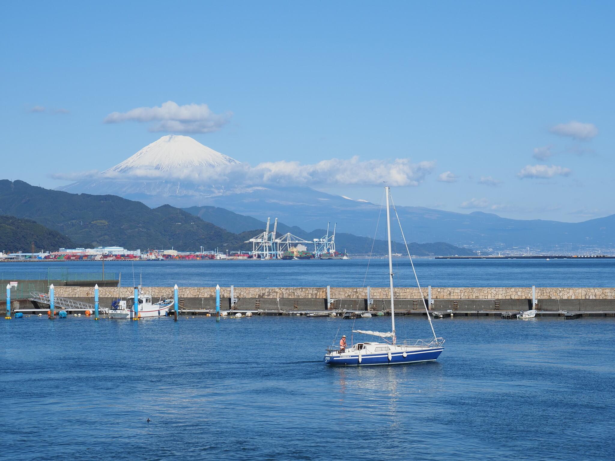 清水港より富士山~昼~