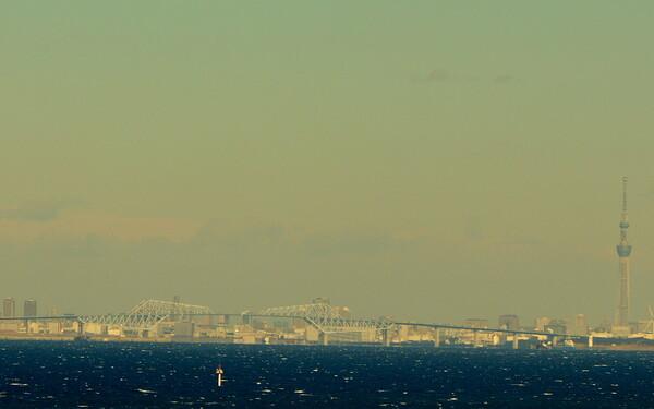 東京スカイツリーとゲートブリッジ
