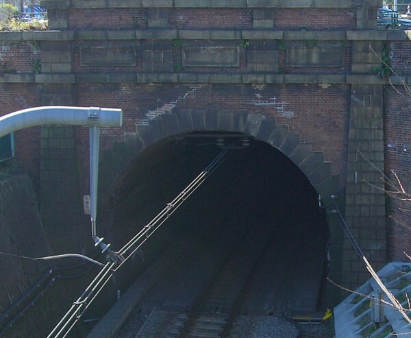 煉瓦造のトンネル