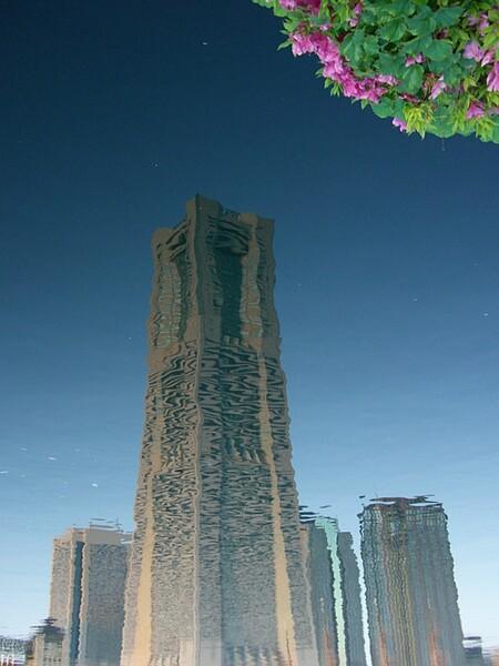【水】海面に映るランドマークタワー