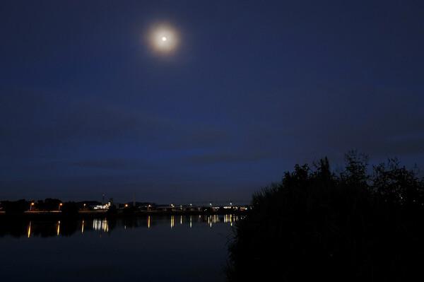 月光の夜明け