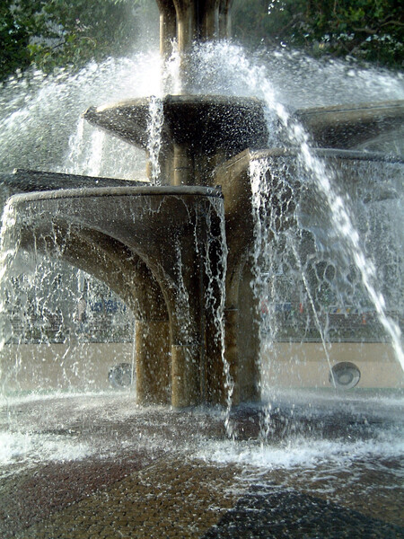 涼しげな噴水