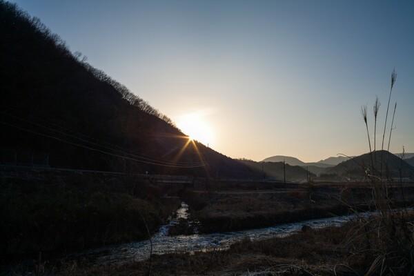 快晴の朝日の出。