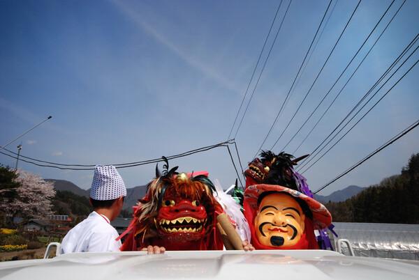 三国判官流を名乗る三匹獅子舞