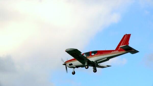 【空】デジカメで飛行機を撮りました。