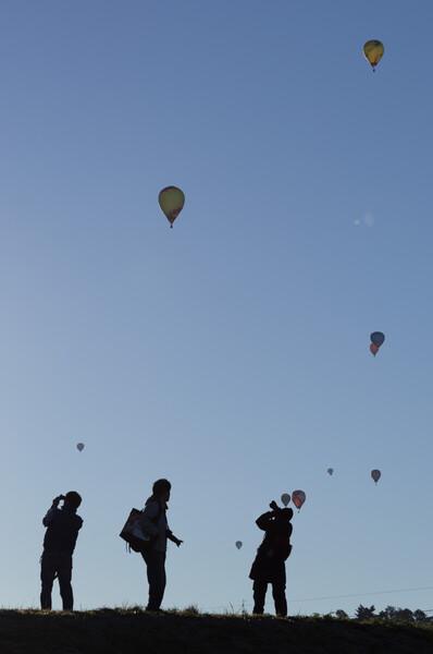 熱気球とカメラマン