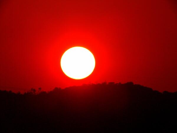【燃】真っ赤に燃えた夕日