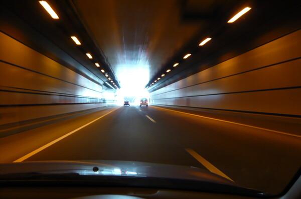 【光】海底トンネル―出口