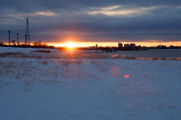 雪上がりの日の出