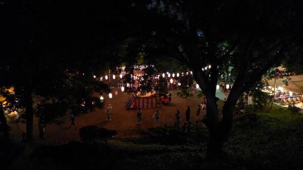 公園の夏祭り