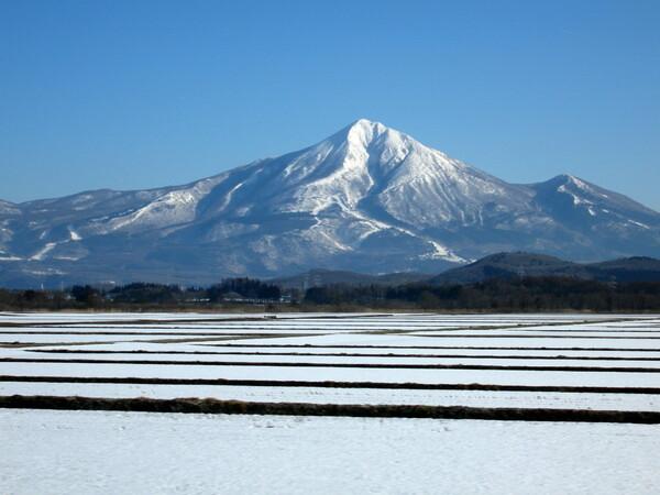 雪の会津磐梯山