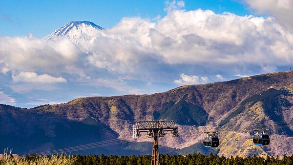 【春景】ロープーウェイと富士山