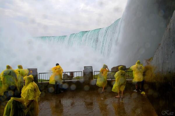 瀑布に超接近状態