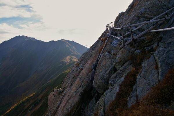 北岳山荘への道