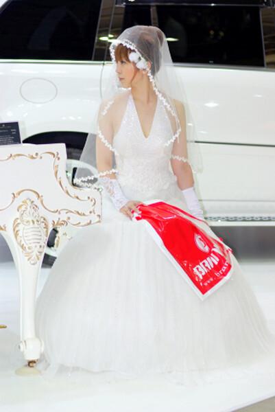花嫁さ〜ん・・・