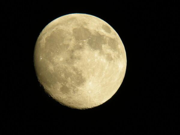 【燃】月は冷たく燃えませんね