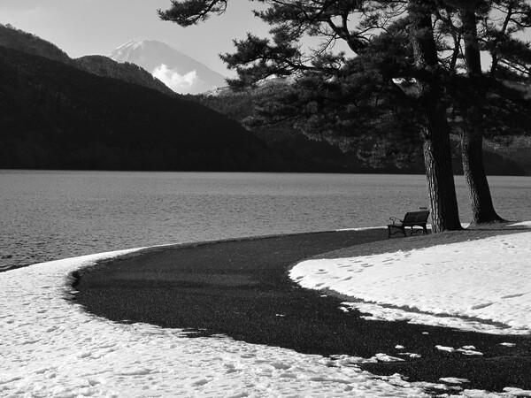 [道] 湖畔