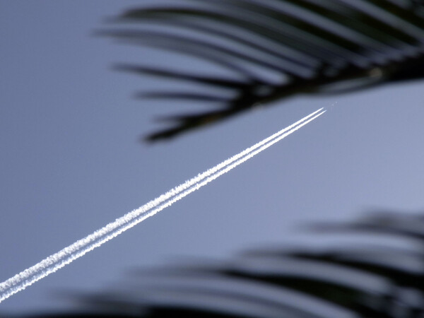 飛行機雲のある【空】