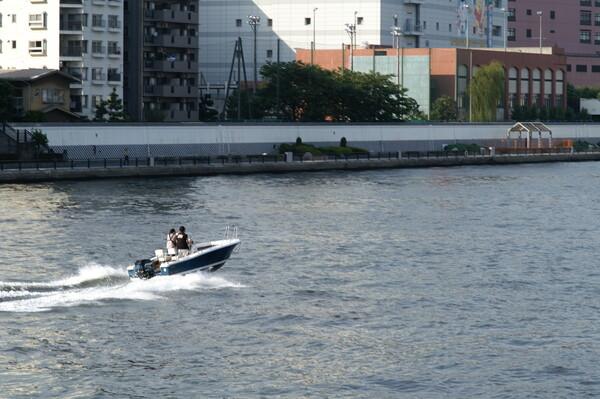 『鉄』モーターボート