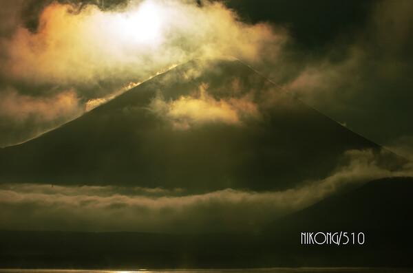 2014晦日の本栖湖富士山