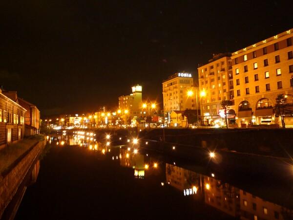 【水】夜の運河